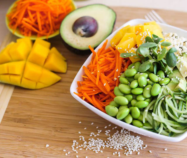 EASY SUSHI BOWLS WITH MANGO